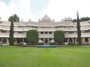 Hotel in Auranagbad