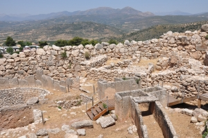 The Essential Archaeology of Greece